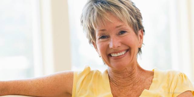 Sicherer Prothesensitz mit Implantaten